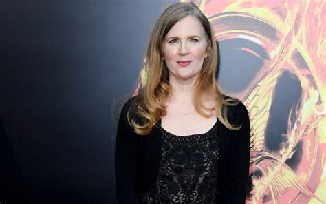 Suzanne Collins | daisies, books & coffee