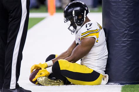 Does JuJu Smith-Schuster really have a fumbling problem