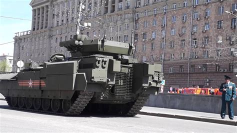 May 7, 2015 - Moscow parade rehearsal, T-15 in trouble