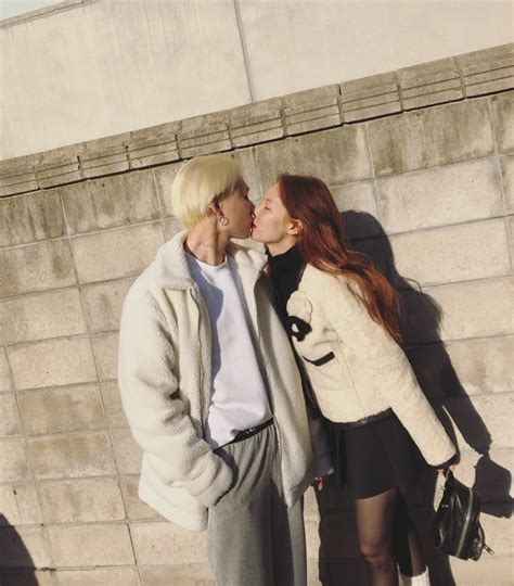 HyunA shares a kiss with E'Dawn, says she's working on new