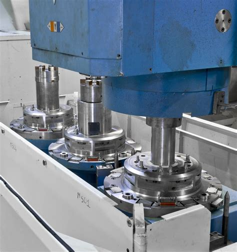 Large-scale machining with the gantry milling machine