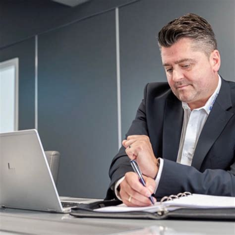 André Zöffel - Chief Operating Officer - Dinges Logistics